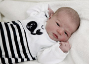 Mathis (m)<br /> * 16.08.2015<br /> 4150 g<br /> 51 cm